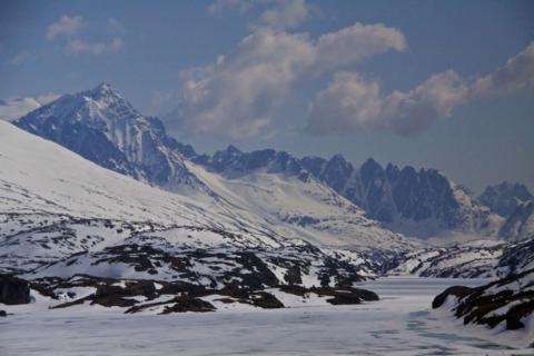 The Sawtooth Mountains at White Pass