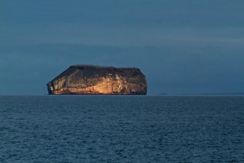 Daphne Minor in the Galapagos Archipelago at First Light (Canon 7D with 100-400mm lens at 210mm, f/8, 1/500, ISO 800)