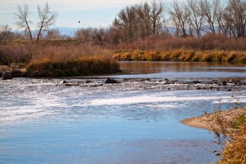 The South Platte Flows Through Adams County Regional Park (Canon 7D with 100-400mm lens at 100mm, f/16, 1/250, ISO 400)
